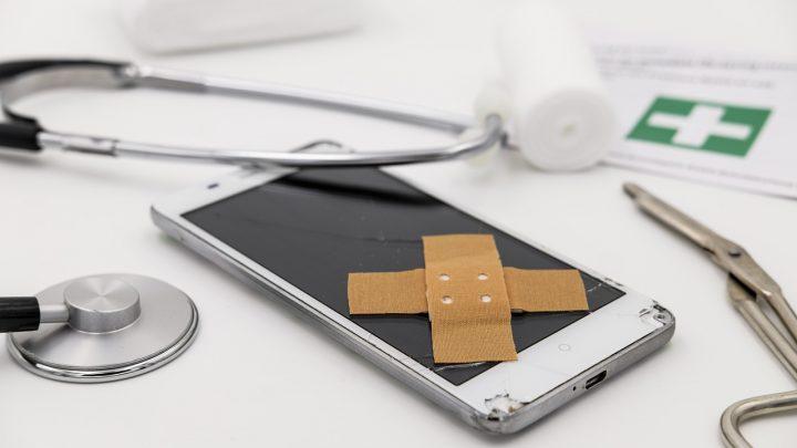 Czym dokładnie powinno się sugerować przed podjęciem ostatecznej decyzji o wyborze serwisu telefonów?